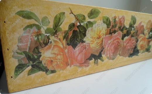 Ящик из-под фужеров, декорированный декупажной картой. фото 3