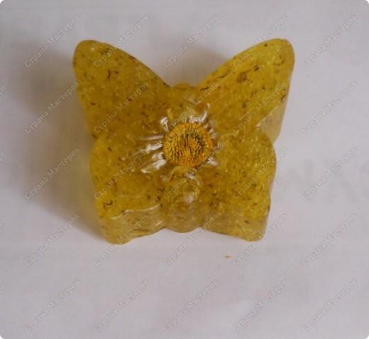 Первая проба в мыловарении- ромашковое мыло из прозрачной мыльной основы.  фото 2