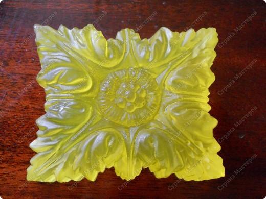 Первая проба в мыловарении- ромашковое мыло из прозрачной мыльной основы.  фото 4
