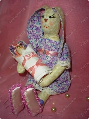 Вот такая Зайка-оберег,для новорожденной малышки! Мама-25см,малышка-8см. фото 2