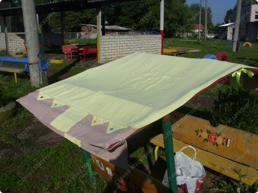 Вот такую крышу сшила на мини-беседку для деток в детский сад на участок фото 3