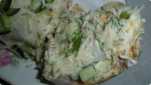 Дорогие мастерицы! На днях, увидела в интернете рецепт из лаваша с рыбными консервами... Рецепт легкий, быстрый и очень вкусный. Попробуйте, не пожалеете.  фото 1