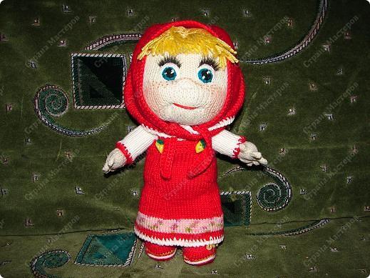 """Вот такую Машеньку я связала на день рождения своей племяшке.Куколка ей очень нравиться и маленькая Полинка часто ей играет.Куколка 30 см,очень хорошо помешается в колясочку для игрушек.Связана на спицах,глазки и носик крючком.Таких кукляшек-пупсяшек вяжут в он-лайне на сайте """"Амигуруми всех стран соединяйтесь"""". фото 2"""