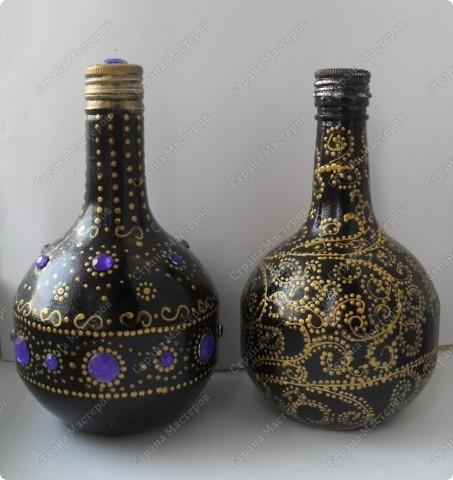 """снова заказали декорировать графинчики.... хотели """"золота""""...но оговорились, что есть золотые бокальчики с чёрной окантовочкой... ну что ж...думаю,что теперь будет наборчик: графины и бокалы... фото 3"""