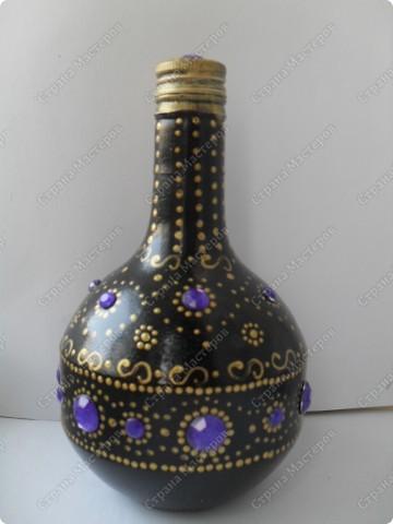 """снова заказали декорировать графинчики.... хотели """"золота""""...но оговорились, что есть золотые бокальчики с чёрной окантовочкой... ну что ж...думаю,что теперь будет наборчик: графины и бокалы... фото 4"""