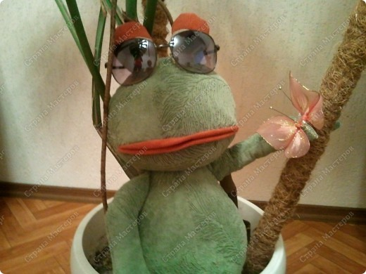 Заказали лягушку да не простую , а по фото взятом из интернета, нужна была точно такая же!!!  фото 9