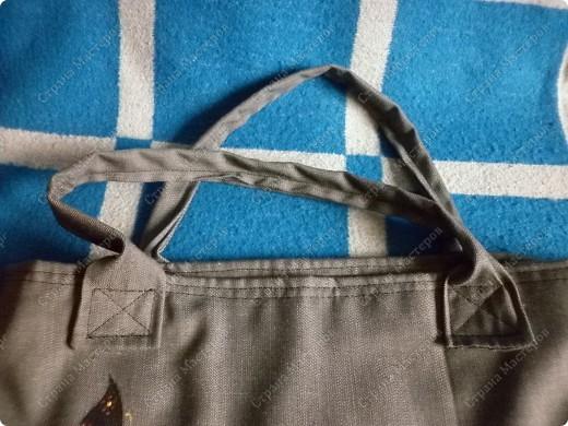 После того, как я сшила для себя сумочку и для младшего сынишки, http://stranamasterov.ru/node/395312, поступил заказ и от свекрови. Обидеть маму я не могла, пришлось сшить 2 почти одинаковые сумочки и третью-для невестки.  Эта сумочка для мамы. фото 6