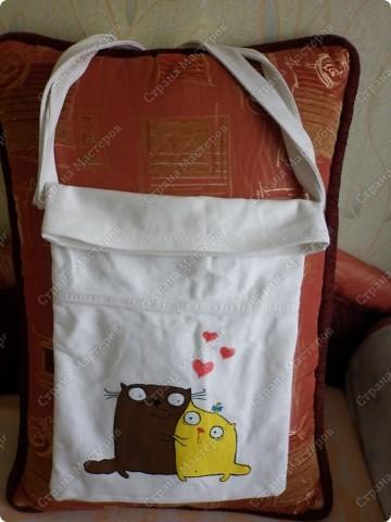 После того, как я сшила для себя сумочку и для младшего сынишки, http://stranamasterov.ru/node/395312, поступил заказ и от свекрови. Обидеть маму я не могла, пришлось сшить 2 почти одинаковые сумочки и третью-для невестки.  Эта сумочка для мамы. фото 7