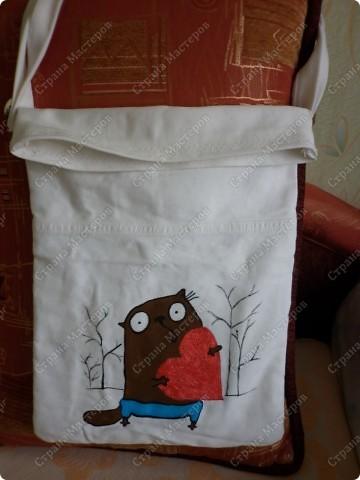 После того, как я сшила для себя сумочку и для младшего сынишки, http://stranamasterov.ru/node/395312, поступил заказ и от свекрови. Обидеть маму я не могла, пришлось сшить 2 почти одинаковые сумочки и третью-для невестки.  Эта сумочка для мамы. фото 8