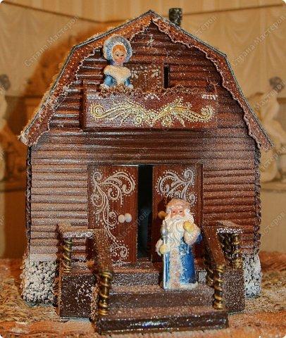 Новогодний домик из трубочек