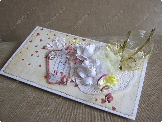 Открытка на заказ.Основа - бумага для акварели, фон  - скрапбумага. Цветы крупные (текстильные и бумажные) самодельные. Мелкие - дырокольные фото 6