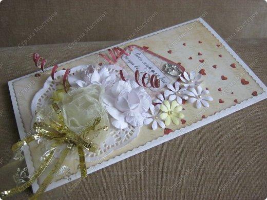 Открытка на заказ.Основа - бумага для акварели, фон  - скрапбумага. Цветы крупные (текстильные и бумажные) самодельные. Мелкие - дырокольные фото 2