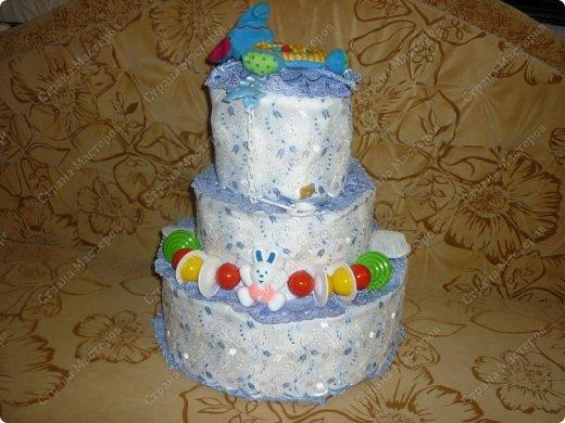 Вот такой тортик из памперсов у меня получился фото 1