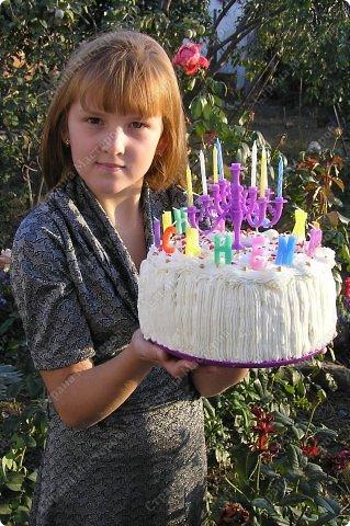 Хотя,  и выпал  День рождения дочери на  будний рабочий день (30 сентября), но как же  без главного десерта!  Вот  и  посторалась  мамочка,для   любимого дитяти! А любит  мой ребенок в основном  тортики  бисквитные. фото 15