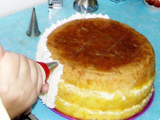 Хотя,  и выпал  День рождения дочери на  будний рабочий день (30 сентября), но как же  без главного десерта!  Вот  и  посторалась  мамочка,для   любимого дитяти! А любит  мой ребенок в основном  тортики  бисквитные. фото 12