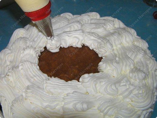 Хотя,  и выпал  День рождения дочери на  будний рабочий день (30 сентября), но как же  без главного десерта!  Вот  и  посторалась  мамочка,для   любимого дитяти! А любит  мой ребенок в основном  тортики  бисквитные. фото 13