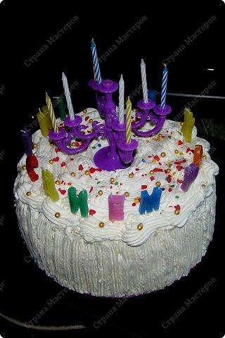 Хотя,  и выпал  День рождения дочери на  будний рабочий день (30 сентября), но как же  без главного десерта!  Вот  и  посторалась  мамочка,для   любимого дитяти! А любит  мой ребенок в основном  тортики  бисквитные. фото 1