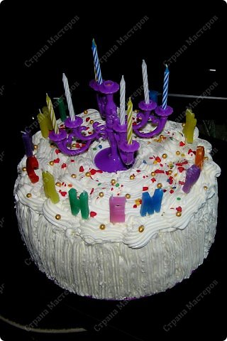 Хотя,  и выпал  День рождения дочери на  будний рабочий день (30 сентября), но как же  без главного десерта!  Вот  и  посторалась  мамочка,для   любимого дитяти! А любит  мой ребенок в основном  тортики  бисквитные. фото 14