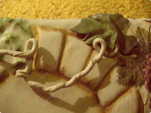 Декор предметов Мастер-класс Ассамбляж Ключница-панно из кожи -'Молдавский дворик   Дерево Картон гофрированный Клей Кожа Краска Салфетки фото 15