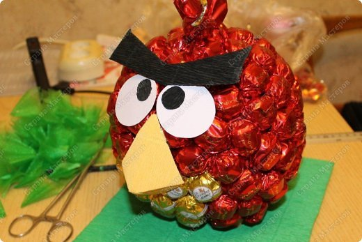 Красная птичка из семейства Angry Birds. Сделала ее в подарок маленькой принцессе - любителю злых птичек. фото 10