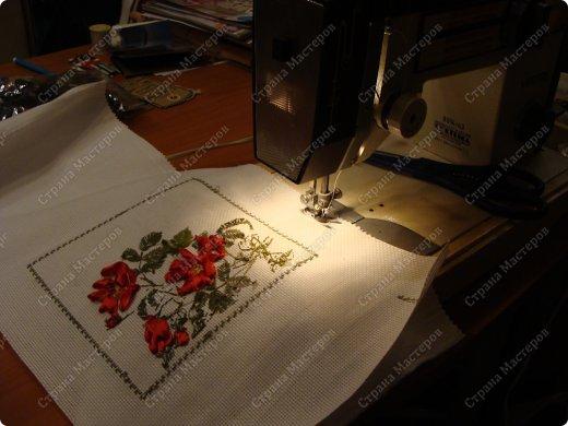 Идея из телевизора. Я только начала вышивать лентами. Вот и подумала , как нам совместить декупаж и вышивку лентами. Решила сделать обложку для фотоальбома. фото 13