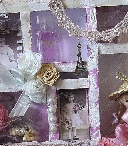 Давно заглядывалась на необычные рамочки, в которых можно разместить и фотографии, и милые вещицы, и излишки накопленных украшений. В общем, выставить напоказ то, что хранится в закромах рукодельницы. Мой словарь пополнился новым термином: шадоубокс- Shadowbox — объемная рамка-коробочка или «многоячейковый» ящичек. фото 14
