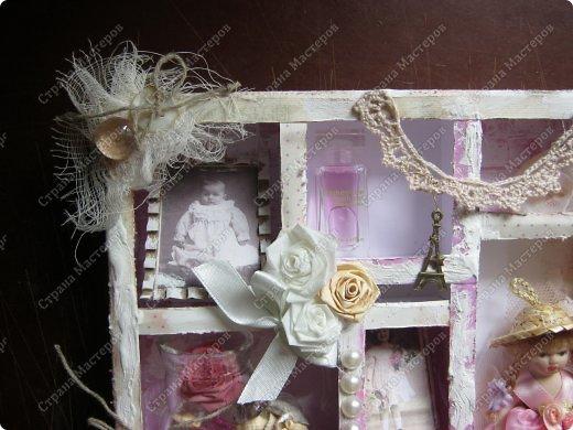 Давно заглядывалась на необычные рамочки, в которых можно разместить и фотографии, и милые вещицы, и излишки накопленных украшений. В общем, выставить напоказ то, что хранится в закромах рукодельницы. Мой словарь пополнился новым термином: шадоубокс- Shadowbox — объемная рамка-коробочка или «многоячейковый» ящичек. фото 15