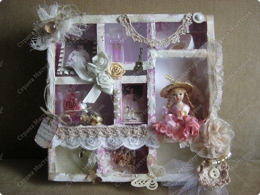 Давно заглядывалась на необычные рамочки, в которых можно разместить и фотографии, и милые вещицы, и излишки накопленных украшений. В общем, выставить напоказ то, что хранится в закромах рукодельницы. Мой словарь пополнился новым термином: шадоубокс- Shadowbox — объемная рамка-коробочка или «многоячейковый» ящичек. фото 20