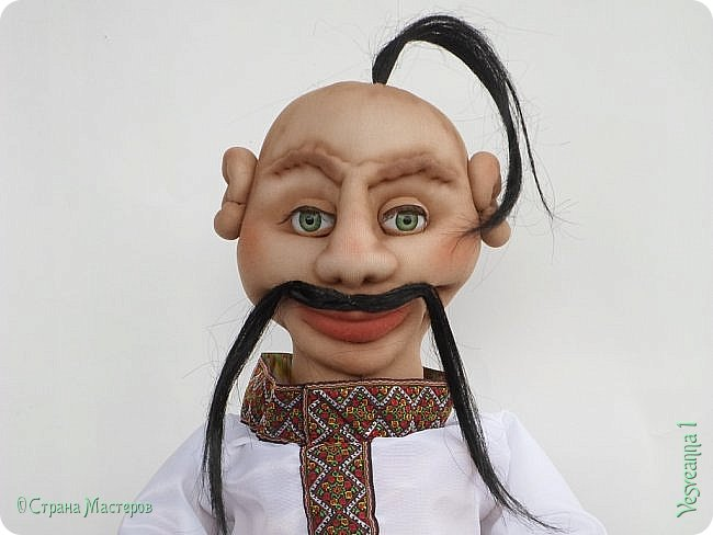 Доброго времени суток всем! Сшила куколку по мастер-классу Светланы Лазаревой. Первый раз попробовала сделать стеклянные глазки с ресницами. фото 10
