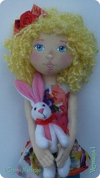 Здравствуйте все, кто заглянул в гости! Учусь шить куколок из ткани. Эта кукла Алиса сшита по мастер-классу Ирины Чурилиной в школе Панпина. Очень мне понравилось заниматься под руководством мастера. И вот такой получился результат. фото 1