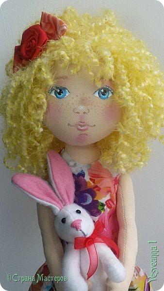 Здравствуйте все, кто заглянул в гости! Учусь шить куколок из ткани. Эта кукла Алиса сшита по мастер-классу Ирины Чурилиной в школе Панпина. Очень мне понравилось заниматься под руководством мастера. И вот такой получился результат. фото 9