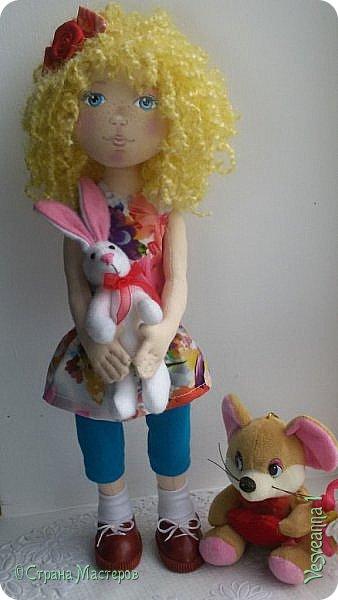 Здравствуйте все, кто заглянул в гости! Учусь шить куколок из ткани. Эта кукла Алиса сшита по мастер-классу Ирины Чурилиной в школе Панпина. Очень мне понравилось заниматься под руководством мастера. И вот такой получился результат. фото 2