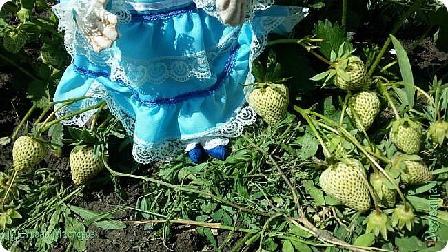 Доброго времени суток всем! Попросили сшить куколку для детского сада. Живем мы на берегах Дона, дети с детства изучают казачью культуру, казачьи песни, танцы, костюмы. Получилась вот такая куколка в казачьем костюме. фото 10