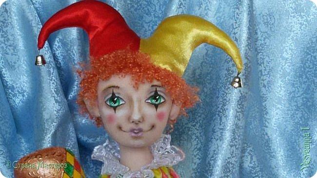 Здравствуйте все мои гости! Пробую себя в шитье текстильных кукол. Вот такой Арлекин появился у меня после мастер-класса Т. Коковихиной. фото 1