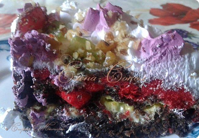 Всем привет!Приглашаю вас в сладкое путешествие по моим вкусняшкам........Первый тортик я делала для сына моей подруги,на 10 -летие и он проделал путь с Элисты до Ростова)Внизу вы увидите как он сам режет торт.. фото 8
