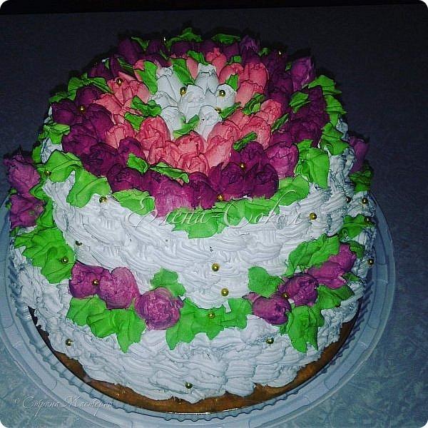 Всем привет!Приглашаю вас в сладкое путешествие по моим вкусняшкам........Первый тортик я делала для сына моей подруги,на 10 -летие и он проделал путь с Элисты до Ростова)Внизу вы увидите как он сам режет торт.. фото 2