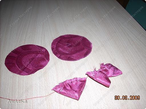 Мастер-класс Шитьё Цветы из кругов ткани мастер-класс Бусины Нитки Ткань фото 5