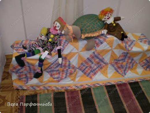 Панно из подушечек дополнили в этом году. Сумку одну сделала новую - вышивка лентами по льну. фото 2