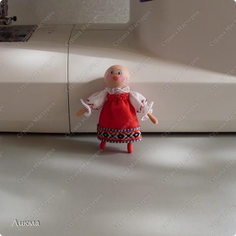 Сегодня я показываю, как сделать маленькую куколку. По этому МК я делала Лесную Феечку. фото 31