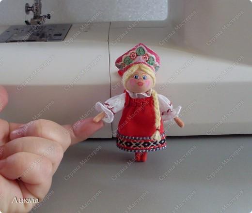 Сегодня я показываю, как сделать маленькую куколку. По этому МК я делала Лесную Феечку. фото 37