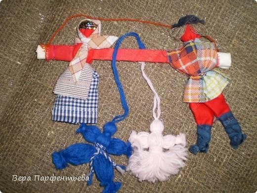 Свадебная обрядовая (которую я поместила раньше), но обещала показать с нитяными куколками - детками. Вот они!