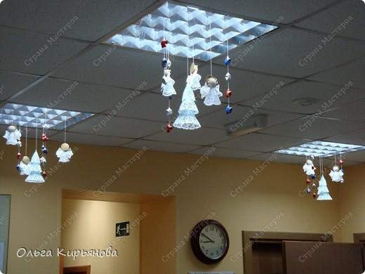 Вот такими ажурными композициями украшен холл нашей школы в этом году.  фото 25