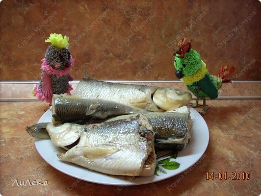 Девчонки и мальчишки! А так же их родители! Пирог с начинкой рыбной испечь вы не хотите ли? Пирог на майонезе учили печь мы вас. Его же, но с начинкой мы испечем сейчас! Рома! Рикки! Мы начинаем! фото 3