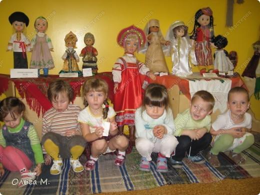 Так мы в детском саду знакомим деток с костюмами народов мира! фото 1