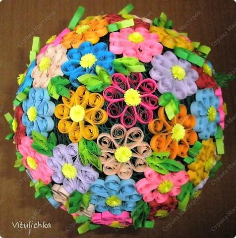 """Увидела эту идею в блоге """"Завитушки от Ксюшки"""" (http://zavitoc.blogspot.com/2009/09/blog-post_14.html) и """"заболела"""". Первые два цветочных шара сделали с детьми на уроках труда. А потом... фото 3"""