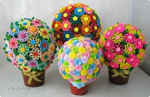 """Увидела эту идею в блоге """"Завитушки от Ксюшки"""" (http://zavitoc.blogspot.com/2009/09/blog-post_14.html) и """"заболела"""". Первые два цветочных шара сделали с детьми на уроках труда. А потом... фото 6"""