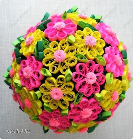 """Увидела эту идею в блоге """"Завитушки от Ксюшки"""" (http://zavitoc.blogspot.com/2009/09/blog-post_14.html) и """"заболела"""". Первые два цветочных шара сделали с детьми на уроках труда. А потом... фото 8"""