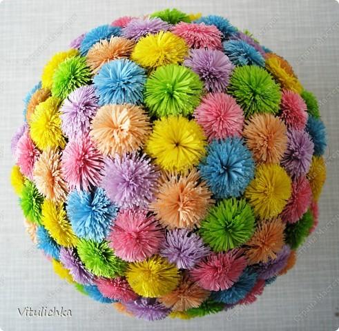 """Увидела эту идею в блоге """"Завитушки от Ксюшки"""" (http://zavitoc.blogspot.com/2009/09/blog-post_14.html) и """"заболела"""". Первые два цветочных шара сделали с детьми на уроках труда. А потом... фото 12"""