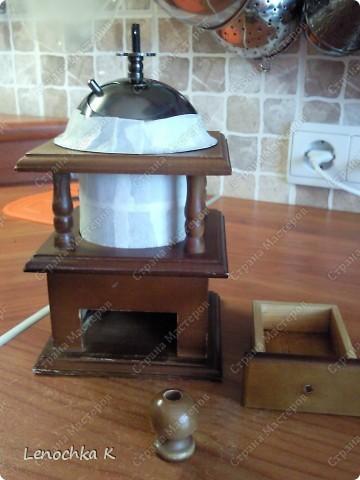 Я очень большая любительница кофе, поэтому не смогла удержаться от декорирования своей любимой кофемолки и баночки для кофе.... фото 3