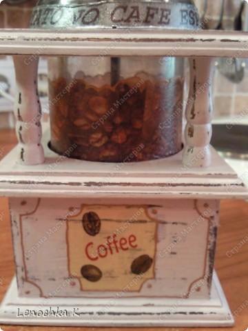 Я очень большая любительница кофе, поэтому не смогла удержаться от декорирования своей любимой кофемолки и баночки для кофе.... фото 8